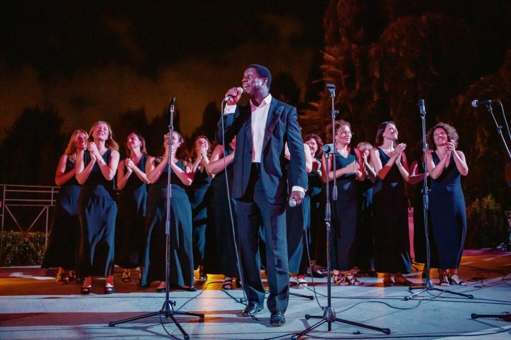 gospel chorus playing and singing in villa miani