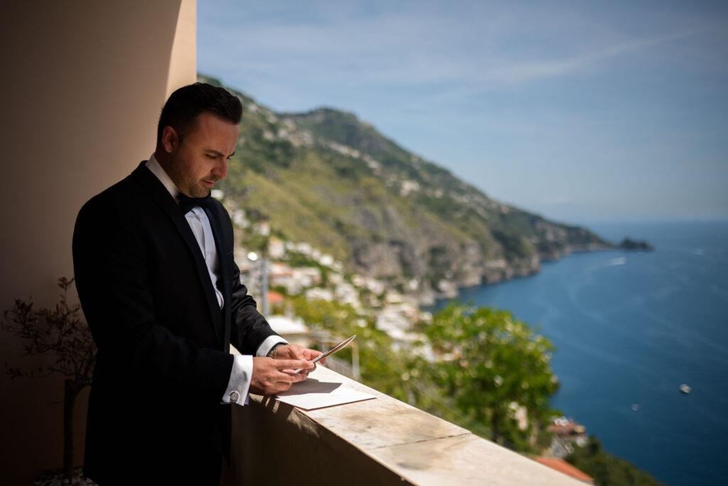 groom reads brides love letter