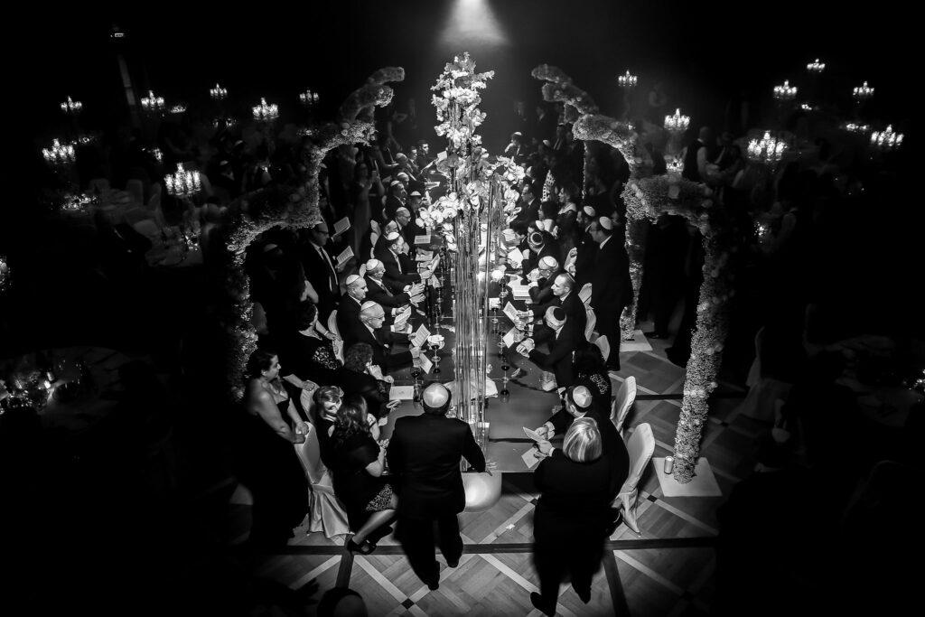 mishmarà ceremony during the jewish wedding in rome