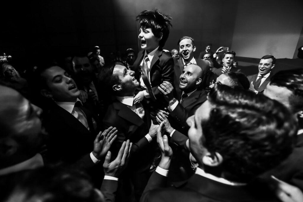 jewish wedding group dances in cavalieri hilton hotel in rome