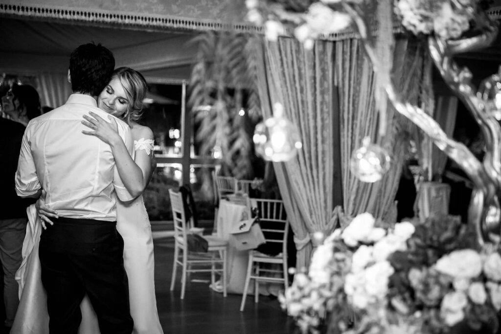 bride and groom first dance at kadiu wedding